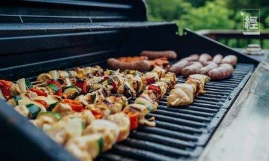 對舌尖上的浪費說不?貴州燒烤店回收剩肉「高溫消毒再上桌」惹熱議