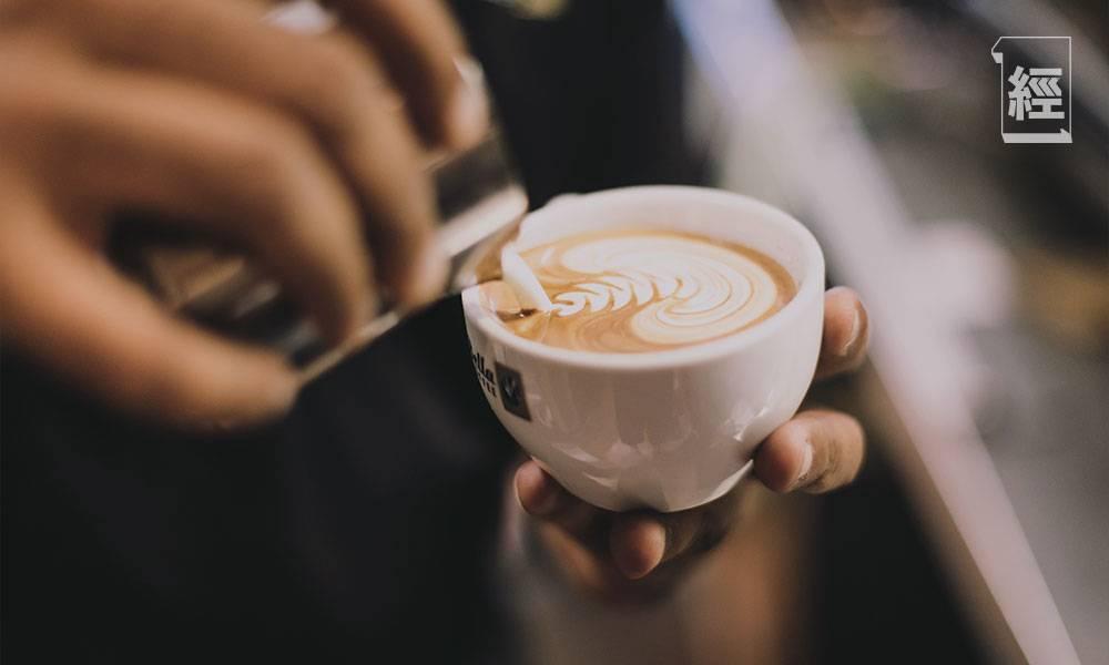 香港物價、樓價、工時為全球第一 買杯Cappucino都貴過人 網民:畢業出泥做嘢 等於人生玩完