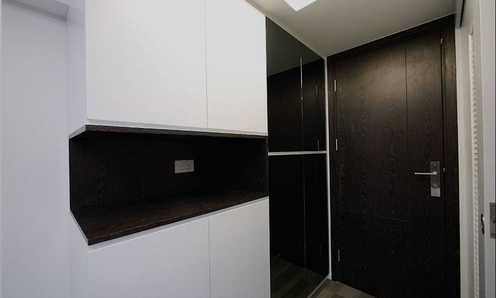 【裝修設計】改裝300呎公屋變4房1廳 以型格感覺為主軸 示範活用「雙趟門」用盡每一寸空間