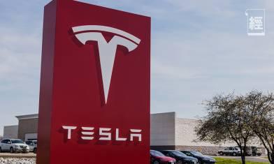 Tesla拆股後首日升12% Elon Musk身家超越朱克伯格 股價升勢強勁因華爾街背後造市?