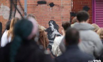 【塗鴉大師】Banksy新作「玩單車胎呼拉圈的女孩」惹哄動