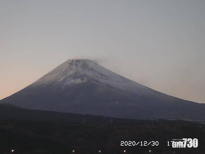 【展望新年】日本富士山終見積雪 喜迎2021