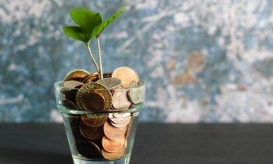 投資相連壽險的潛力 與基金表現直接掛鈎? 劉啟明