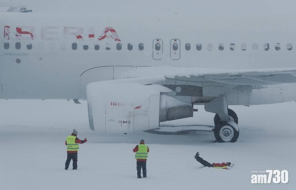 【暴雪】西班牙馬德里55年來首降大雪4死1000司機被困