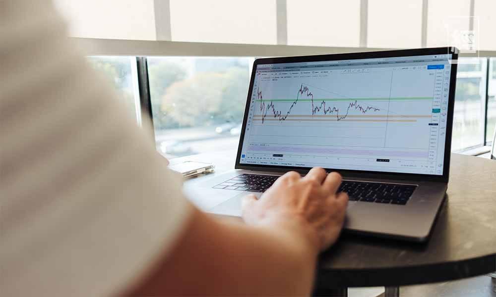 讀者可以投資「平穩增值股」+「潛力股」作投資組合。