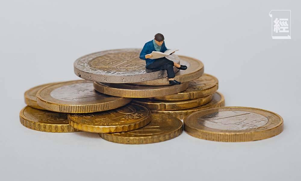 虛銀各出奇謀搶客:每月回贈500港元、2.5厘定存優惠、100萬yuu積分大獎
