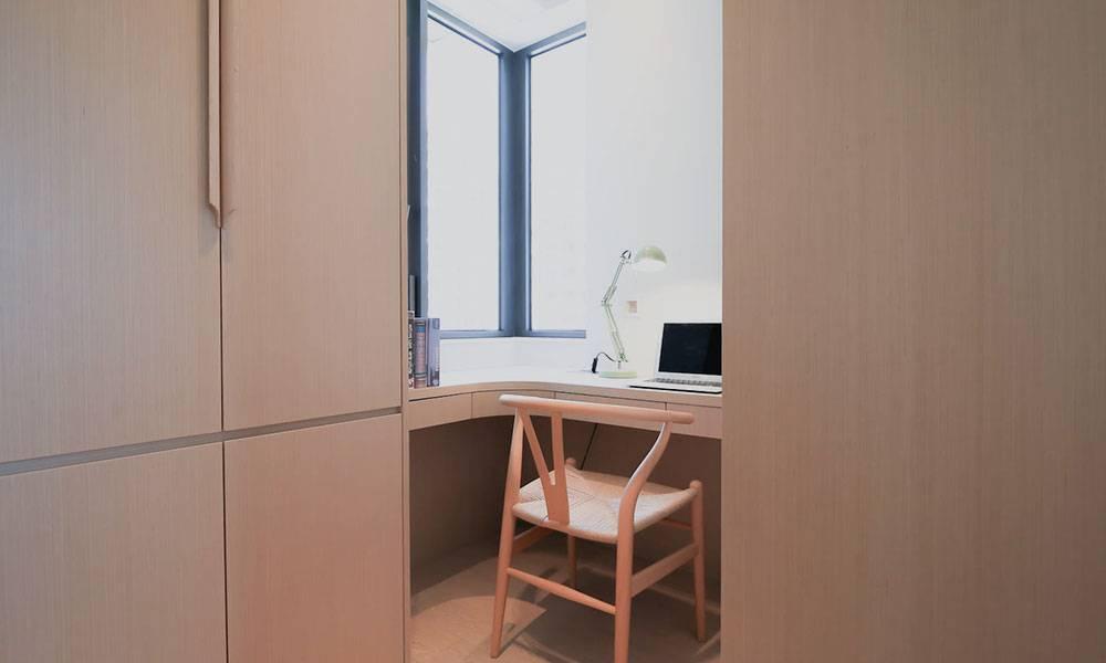 【裝修設計】 489呎兩房兩廳單位變和風部屋 設計師度身訂造三角形櫃補救「裝修奇則」