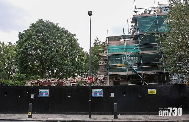 網上熱話 非法拆毀百年老店酒吧 發展商被頒令原地起返間一模一樣