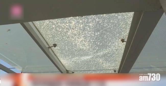 深圳玻璃橋經常跌玻璃 行人膽戰心驚