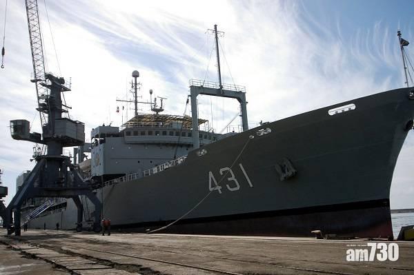 撲救失敗|伊朗最大軍艦起火20小時沉沒  船員安全撤離