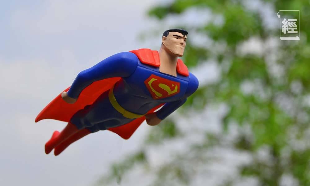 上司問應徵者想要咩超能力 打工仔尷尬不解 網民創意代答:想做超人 打唔打風話曬事