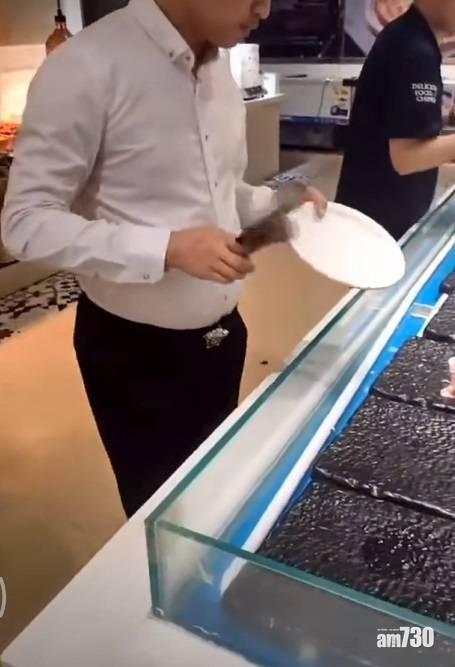網上熱話|火鍋放題男子掃光所有牛肉    網民︰有錢不代表有文化